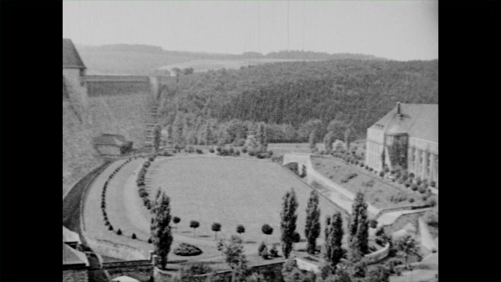 Historische Bilder aus Soest Kraftwerk an der Möhnesee Sperrmauer mit freundlicher Genehmigung des LWL-Münster