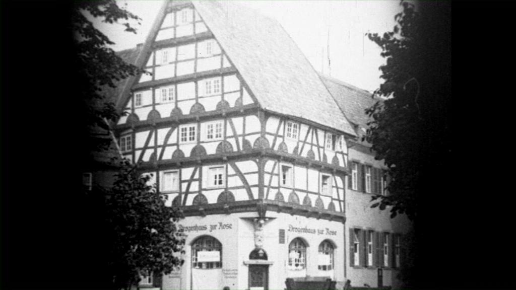Historische Bilder aus Soest, Haus zur Rose, Marktstrasse mit freundlicher Genehmigung des LWL-Münster