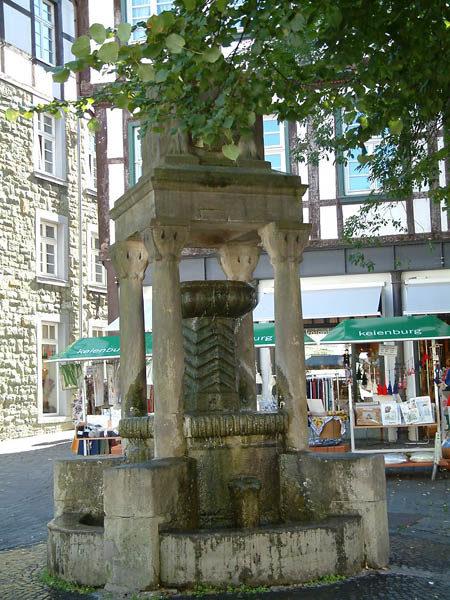 Freiliggrathbrunnen an der Marktstrasse in Soest ©Werner Tigges