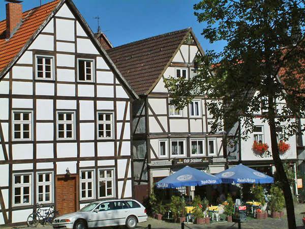 In Soest angekommen bieten  in der Innenstadt schöne Cafe´s und Restaurants leckeres für Wanderer und Radfahrer ©Werner Tigges