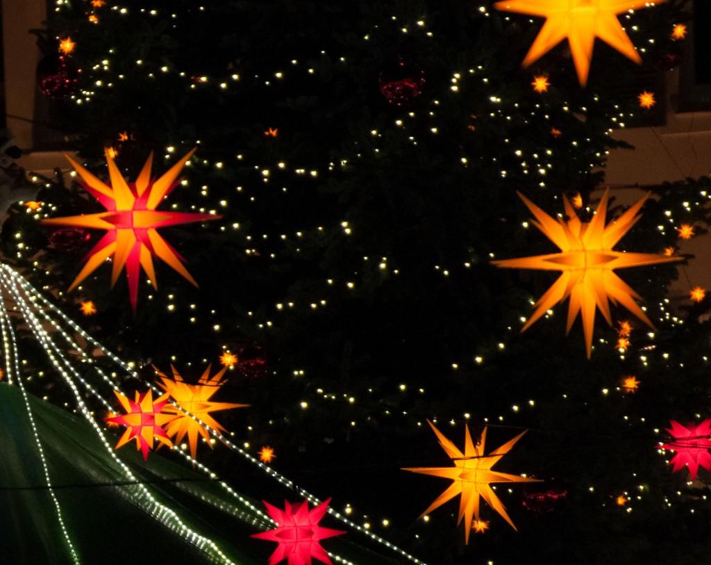 Sternenhimmel über dem Soester Weihnachtsmarkt 2012 - Bildrechte: Werner Tigges
