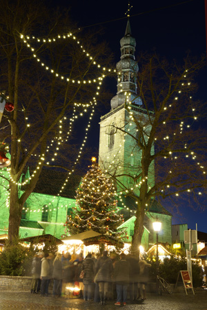 Weihnachtsmarkt-Petrikirche Soest