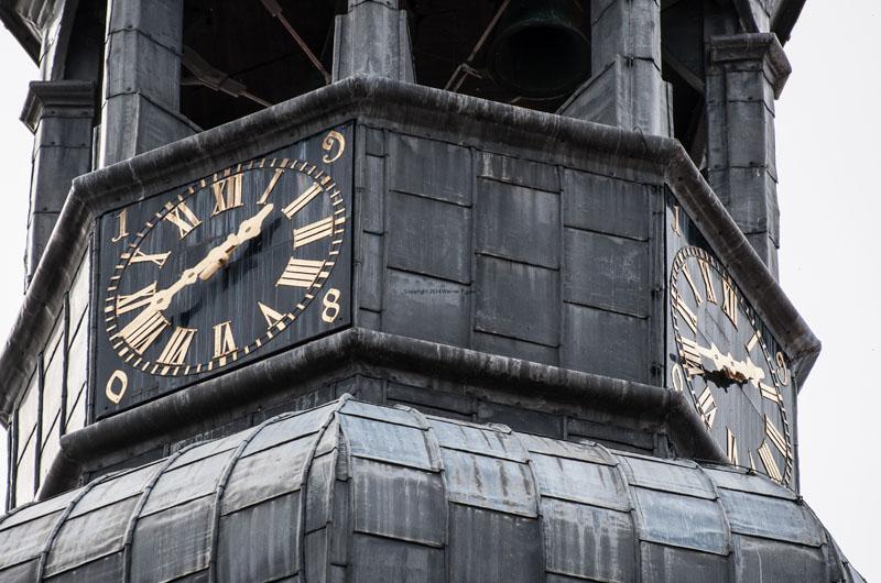 Uhr und Barocke Turmhaube der Petrikirche in Soest ©Werner Tigges stadtfuherung-soest.de