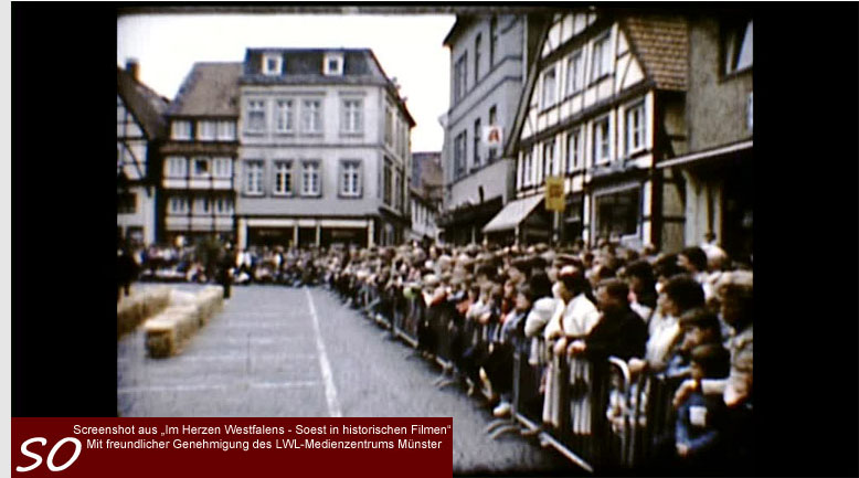 Schubkarrenrennen am Petrikirchhof in Soest
