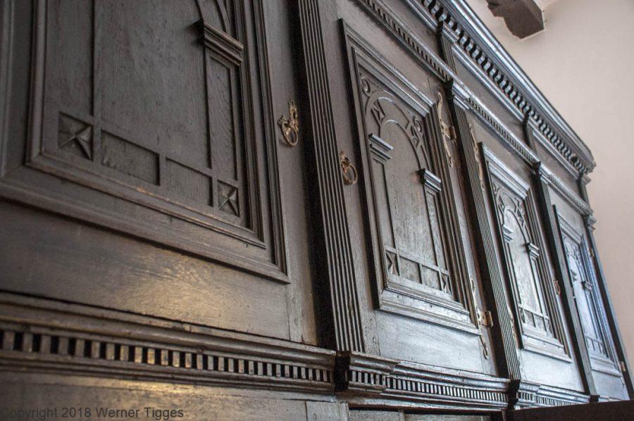 Alter Archivschrank am Standesamt- Das Soester Rathaus von 1713 für stadtfuehrung-soest.de