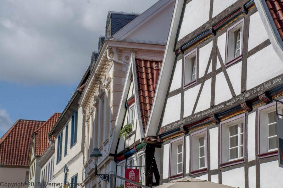 Nachbarn des Soester Rathauses - Soester Fachwerk - Das Soester Rathaus von 1713 für stadtfuehrung-soest.de