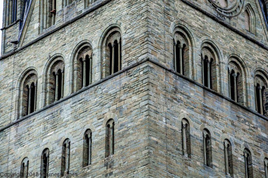 Nachbarn des Soester Rathauses - Westwerk des Patrokli Dom - Der Turm Westfalens- - Das Soester Rathaus von 1713 für stadtfuehrung-soest.de
