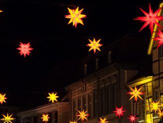 Soester Weihnachtsmarkt - Sternenhimmel am Marktplatz in Soest - für stadtfuehrung-soest.de ©W. Tigges