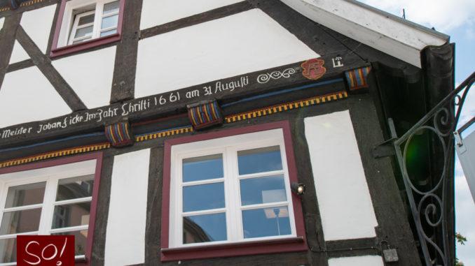 Fachwerk in Soest am Vreithof Li Schnitzerei