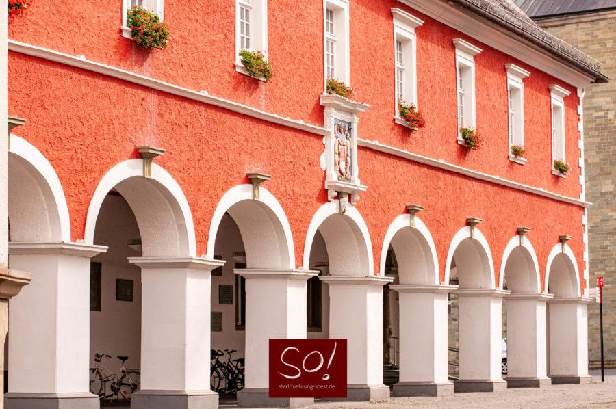 Das Rathaus in Soest mit der Westfassade
